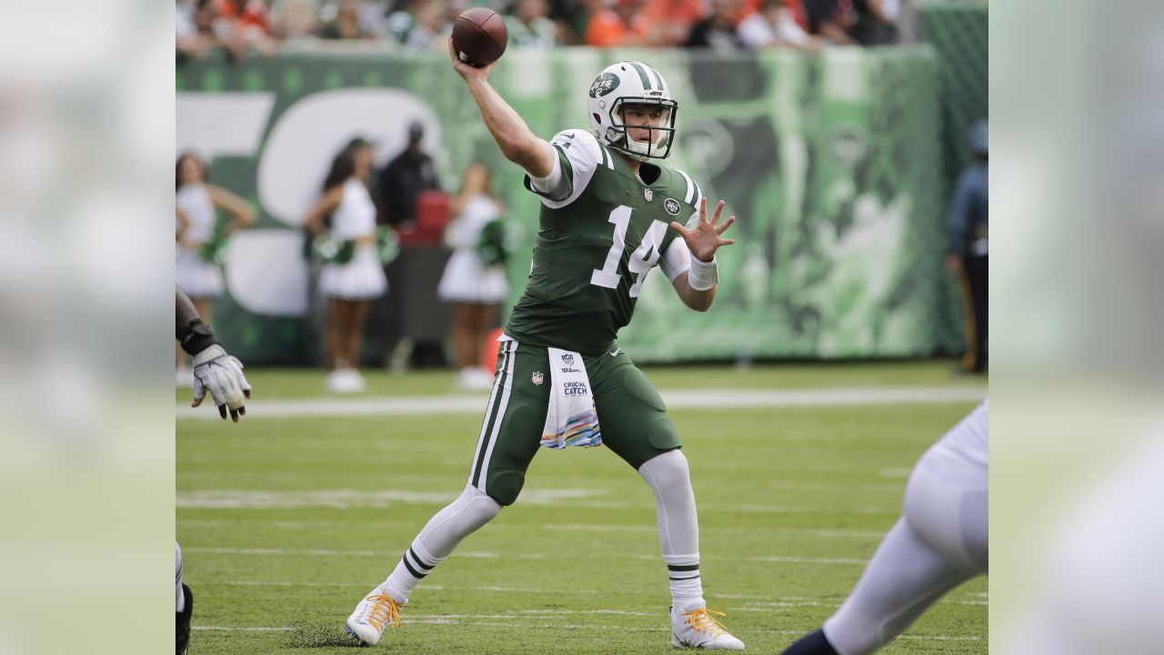 New York Jets uniforms through the years
