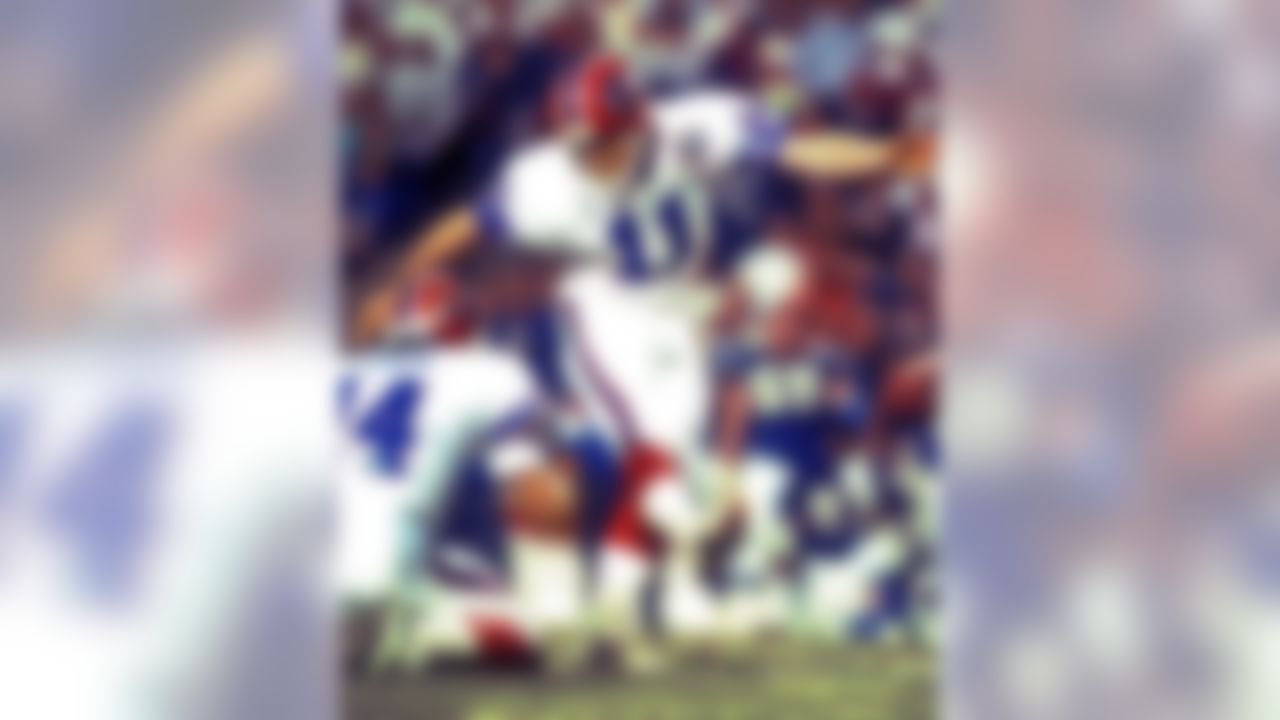 Kicker Scott Norwood (11) of the Buffalo Bills misses a winning field goal in a 20-19 loss in Super Bowl XXV to the New York Giants at Tampa Stadium in Tampa, FL on January 27, 1991. (AP Photo/Al Messerschmidt)