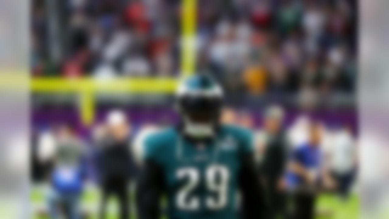 Philadelphia Eagles running back LeGarrette Blount (29) warms up prior to Super Bowl LII.