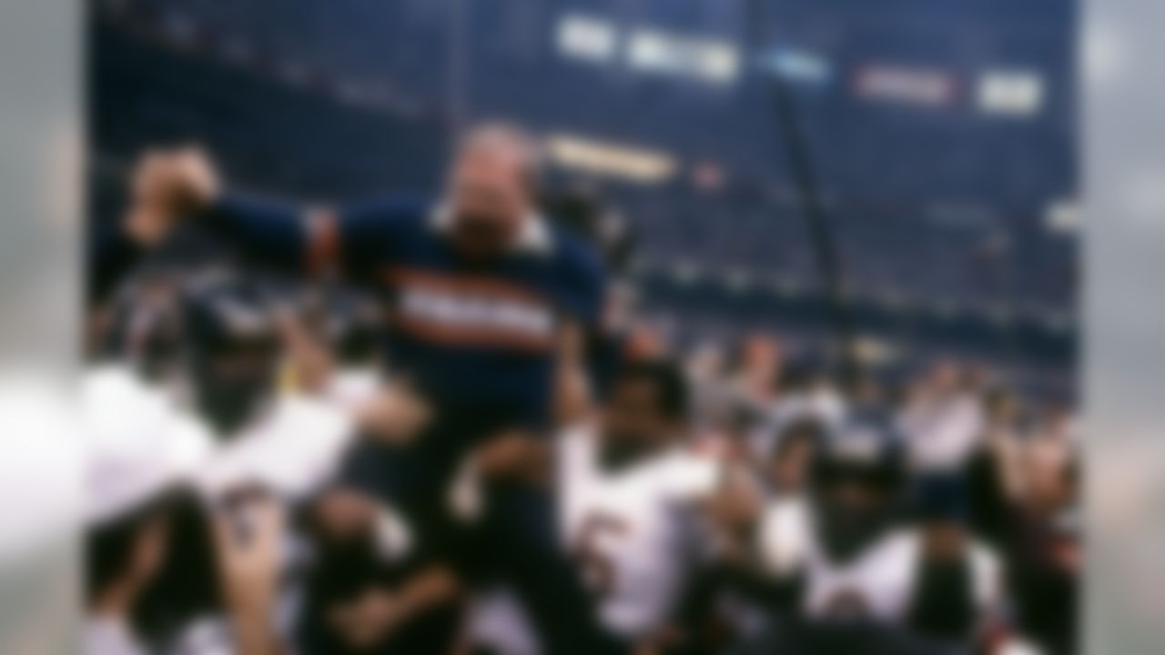 Chicago Bears defensive coordinator Buddy Ryan is carried from the field by his players after his team defeated the the New England Patriots 46�10 during Super Bowl XX Jan. 26, 1986, at the Louisiana Superdome in New Orleans.  (Tony Tomsic via AP)