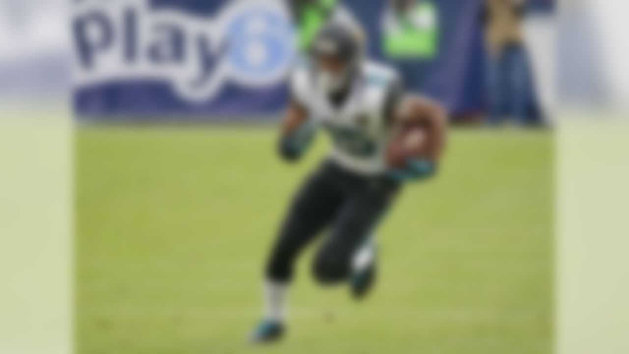 Robinson's rookie campaign in 2014 ended early due to a broken leg. That injury, coupled with his less than stellar 6.7 fantasy points per game average kept him off the fantasy radar for the most part heading into 2015's draft season. But a few Robinson pundits, perhaps none more passionate about the Jacksonville receiver's breakout potential than NFL.com's Matt Harmon, predicted that big things were in store for the young wideout. Still, Robinson wasn't drafted until Round 13 on average. With 14 touchdowns and 1,400 receiving yards, it's safe to say that he far out-produced his draft value finishing as the fourth-highest scoring fantasy receiver of the year. In standard scoring formats, Robinson averaged 14.0 FPPG and recorded six 100-yard contests and three multiple touchdown games. That's reason enough to put him at the top of this list.