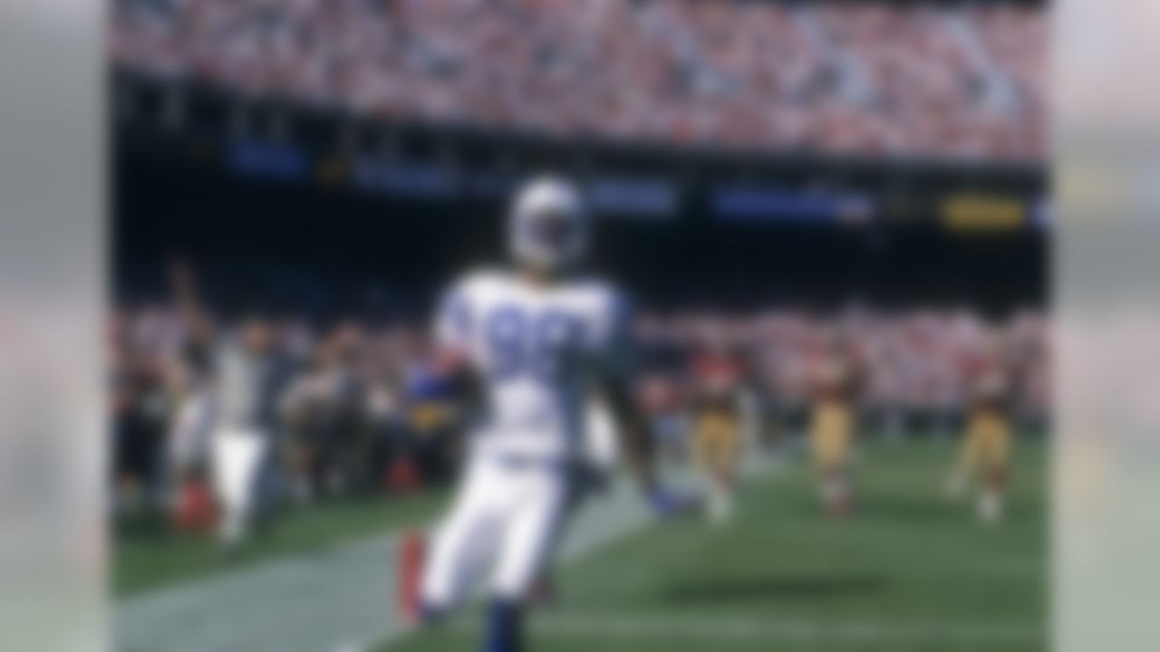 Indianapolis Colts wide receiver Marvin Harrison (88) scores during an NFL game against the San Francisco 49ers on Sunday, Oct. 18, 1998, in San Francisco. (AP Photo/Greg Trott)