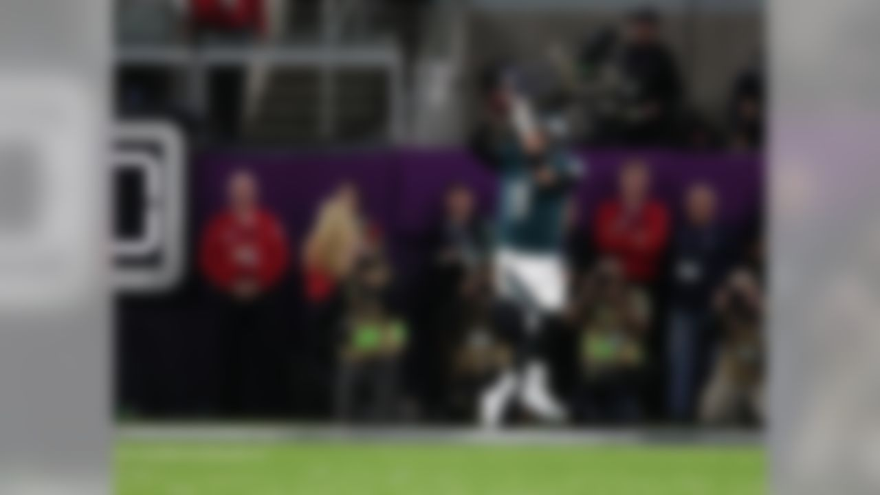 Philadelphia Eagles quarterback Nick Foles (9) catches a touchdown pass on fourth down during the NFL Super Bowl LII football game against the New England Patriots  on Sunday, Feb. 4, 2018 in Minneapolis, Minn.