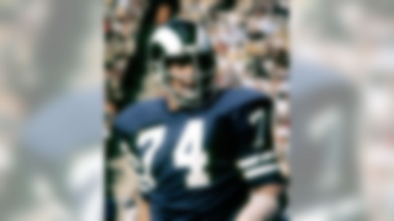 Los Angeles Rams Hall of Fame defensive tackle Merlin Olsen (74) during a 15-12 victory over the Cincinnati Bengals on October 22, 1972, at the Los Angeles Memorial Coliseum in Los Angeles, California.   (AP Photo/NFL Photos)