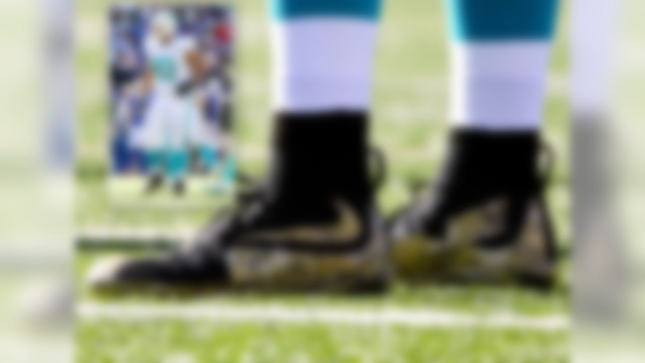 November marked the beginning of Salute to Service month, and Nike chose to send this wonderful pair of camouflage cleats to Ndamukong Suh. Suh and the Dolphins have hardly lived up to the lofty expectations set for them this season, which raises the question as to why Nike chose Suh to be their athlete to debut these cleats.