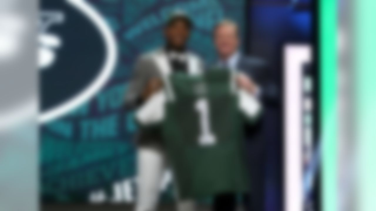 Ohio State linebacker Darron Lee poses for photos with NFL commissioner Roger Goodell after being selected by New York Jets during the 2016 NFL Draft at the Auditorium Theatre on Thursday, April 28, 2016 in Chicago. (Perry Knotts/NFL)