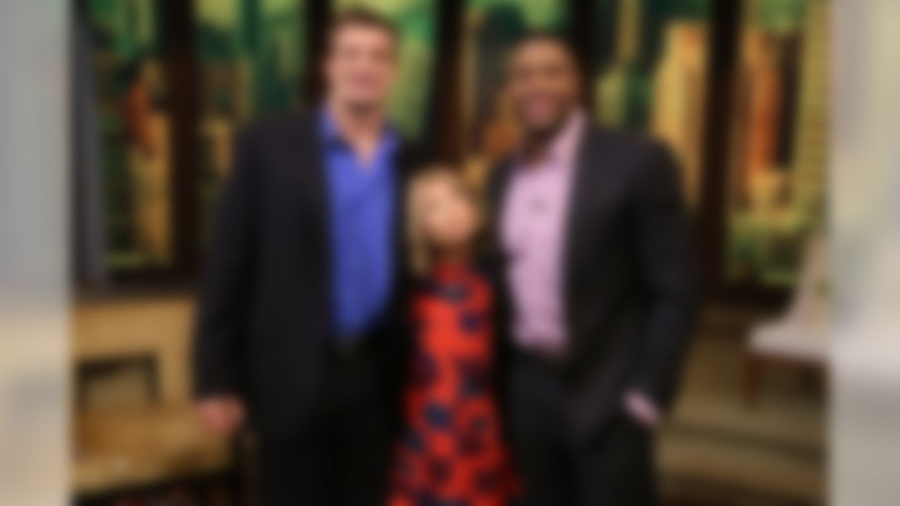 """Kelly Ripa and Michael Strahan talk with Rob Gronkowski during the production of """"LIVE with Kelly and Michael"""" in New York on Friday, Feb. 6, 2015. (David M. Russell//Disney/ABC Home Entertainment and TV Distribution)"""