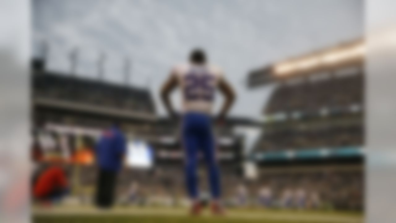 The Buffalo Bills' LeSean McCoy stands on the sidelines during his team's loss to the Philadelphia Eagles. (AP Photo/Matt Rourke)