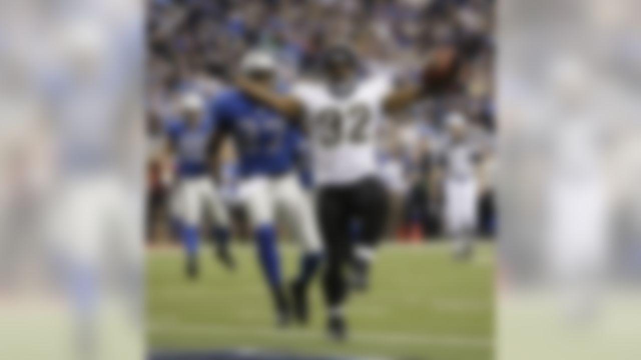 Jacksonville Jaguars running back Maurice Jones-Drew celebrates his 6-yard touchdown run against the Detroit Lions in an NFL football game in Detroit on November 9,2008. (AP Photo/Paul Sancya)