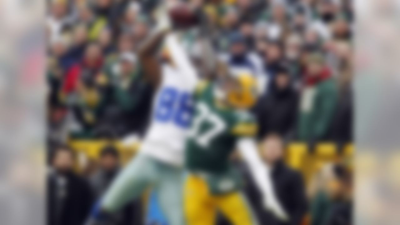 Did Dez Bryant catch it, or didn't he? The play sparked a heaping helping of controversy. Well, it wasn't a catch, the Packers won and advanced to the NFC championship game, in which Green Bay was defeated in epic fashion by the Seattle Seahawks.