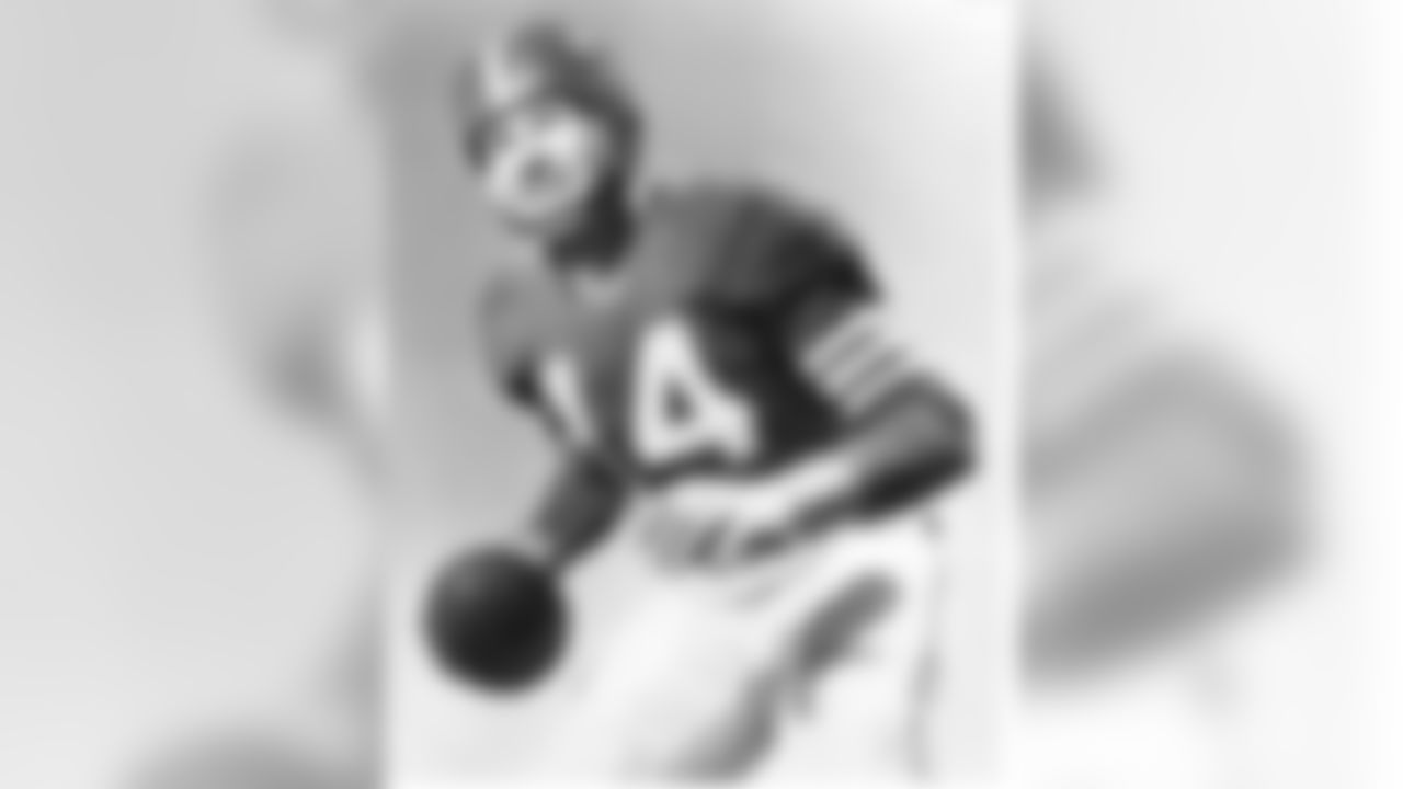 San Francisco 49ers Hall of Fame quarterback Y.A. Tittle (14), circa 1950's. (Pro Football Hall of Fame via AP Images)