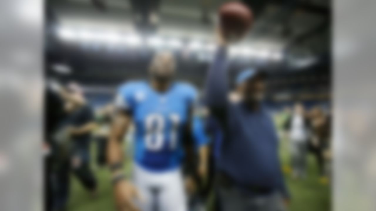 Detroit Lions wide receiver Calvin Johnson finished with 1,964 receiving yards. He shattered Jerry Rice's old mark of 1,848, set in 1995. Johnson also tied Michael Irvin's record of 11 games with at least 100 receiving yards. Megatron is the only player in NFL history to record at least 1,600 receiving yards in consecutive seasons. Over the past two years, Johnson has 3,645 receiving yards, the most in any two-year stretch in NFL history.