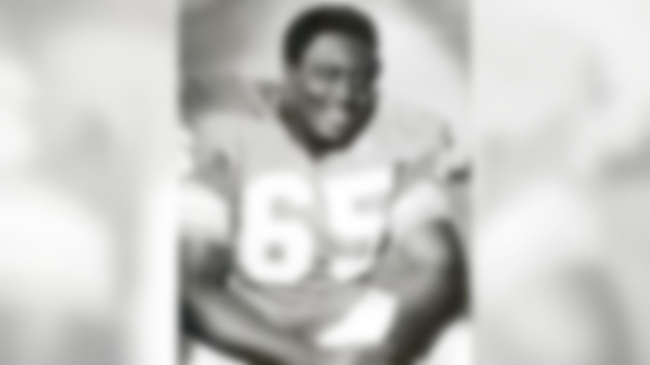 Larry Little of the Miami Dolphins poses for a photograph during the 1969 season. (Photo by Football Hall of Fame)