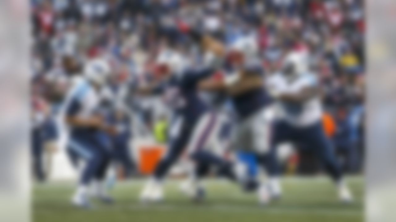New England Patriots defensive end Chandler Jones (95) sacks Tennessee Titans quarterback Zach Mettenberger. (David Butler II-USA TODAY Sports)