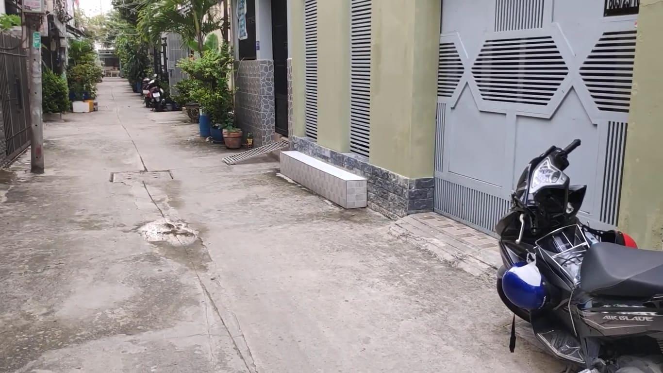 Bán Nhà Quận 7 Huỳnh Tấn Phát, Hẻm Xe Hơi An Ninh, Sạch Sẽ