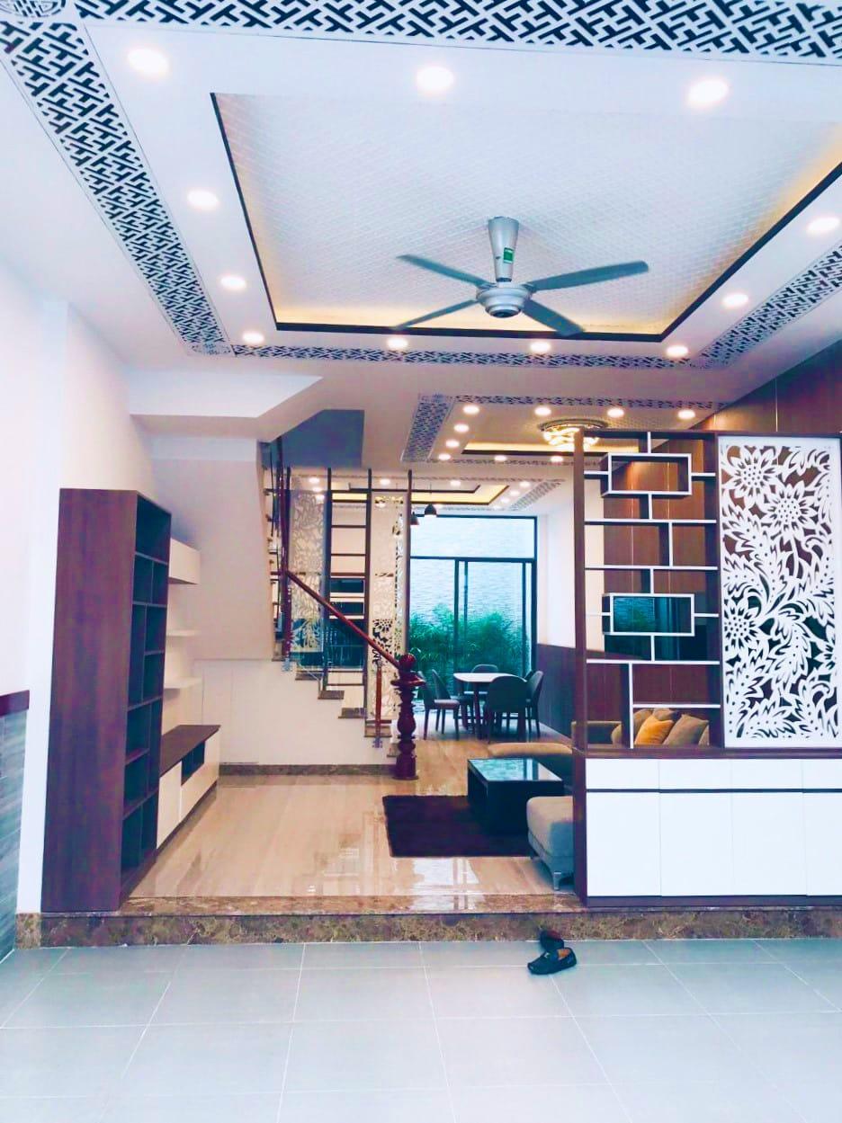 Bán Nhà Quận 7 Phạm Hữu Lầu Đường Trải Nhựa 12m