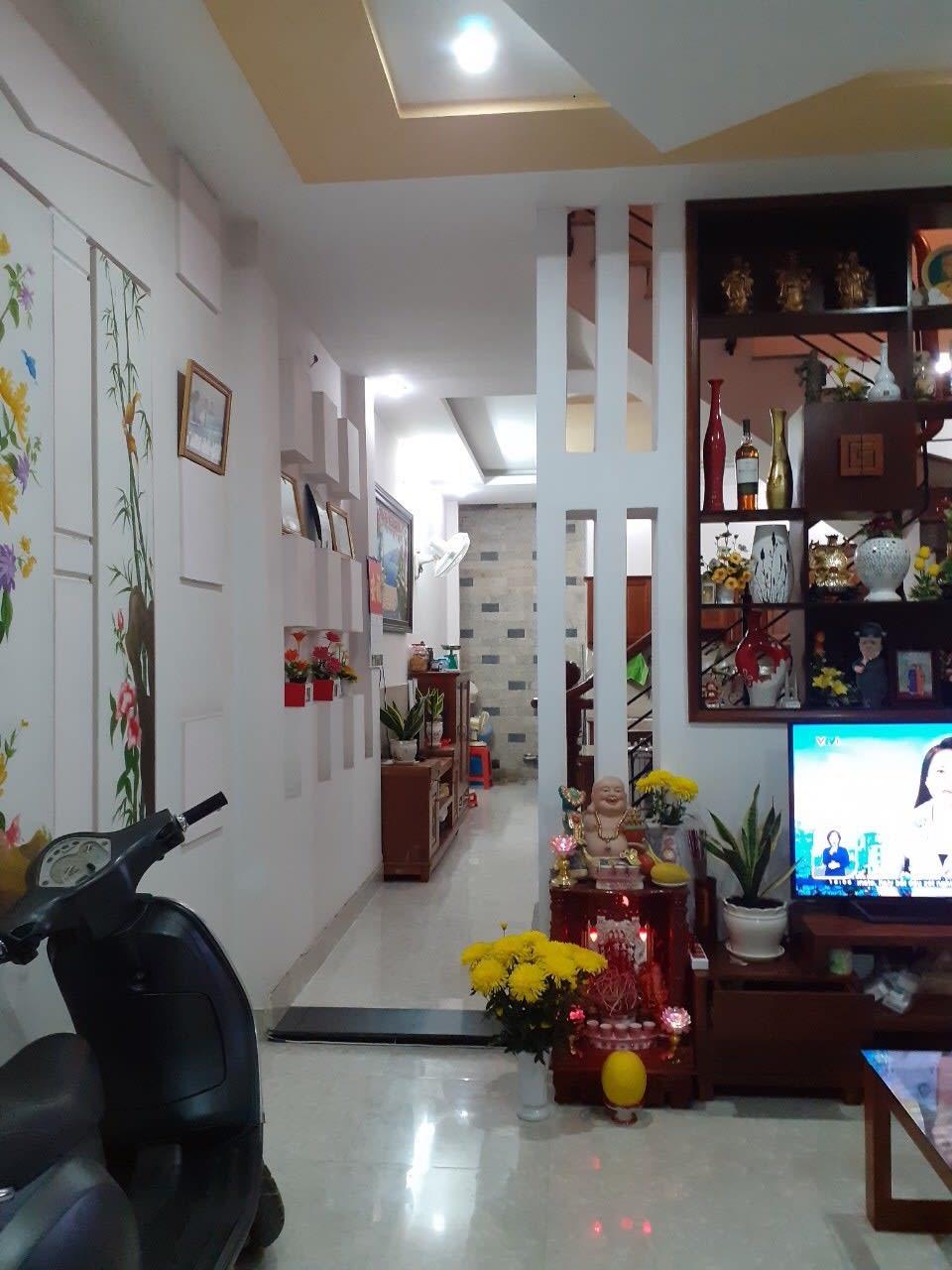 Chính Chủ Ở, Hẻm Xe Hơi Huỳnh Tấn Phát Quận 7, DT 4x14m 4 Tầng, Tặng Nội Thất, Giá 5.5 Tỷ
