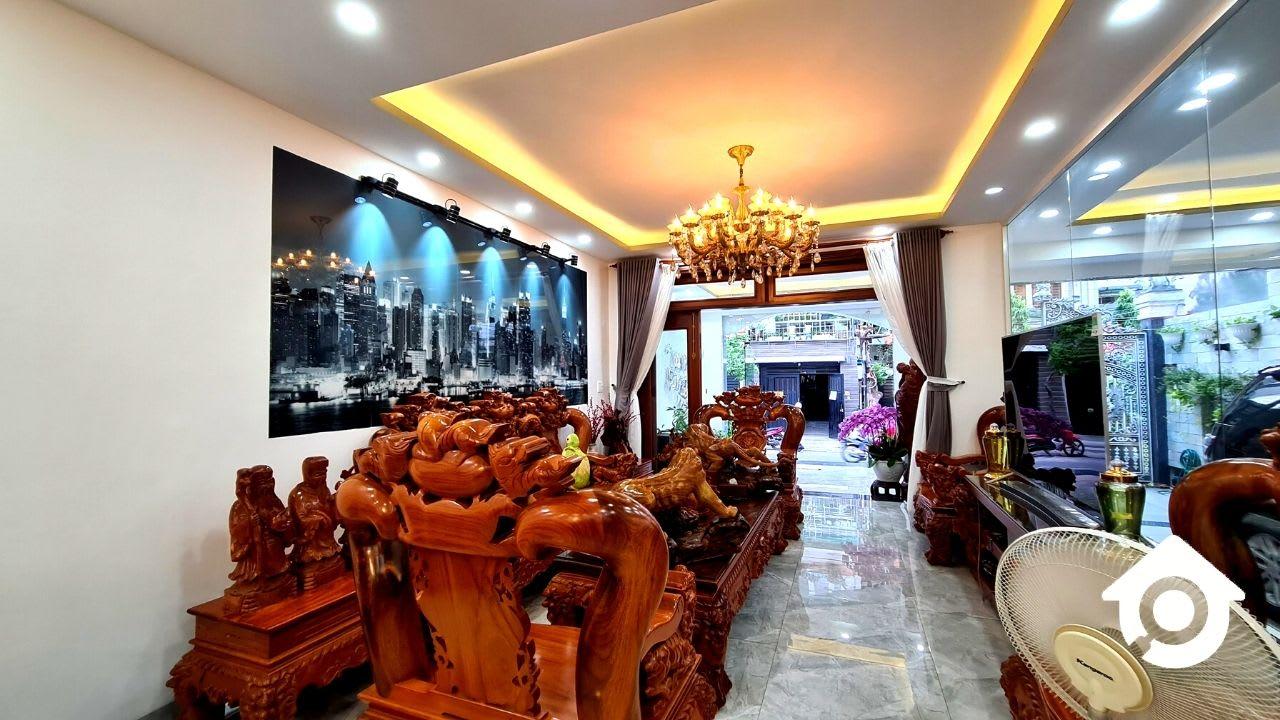 Bán Biệt Thự Tân Quy Quận 7 – DT 8x19m Full Nội Thất Gỗ Đỏ Siêu Đẹp – Giá 23 Tỷ