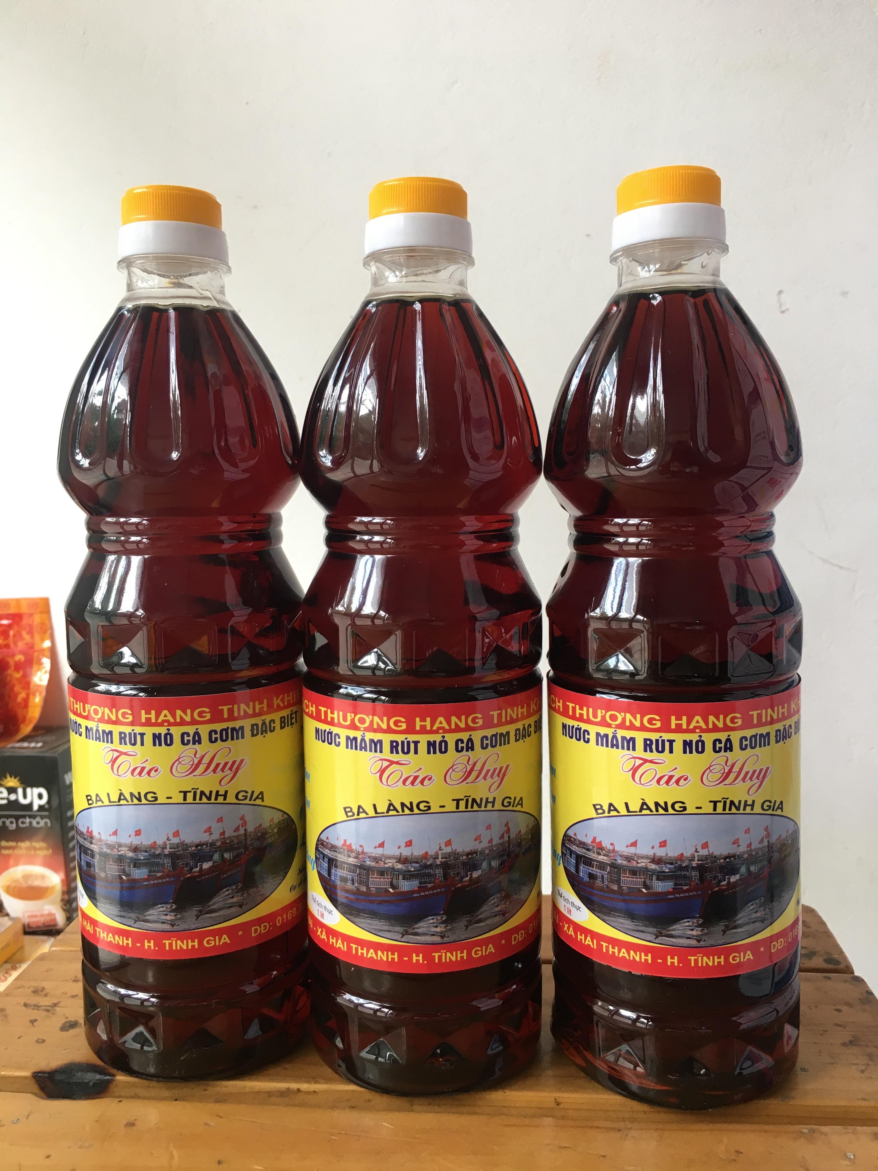 Nước mắm cốt rút nỏ đặc biệt cơ sở Tác Huy (chai 1l)