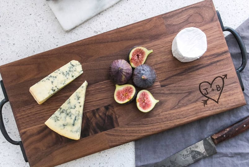 picture of personalised cutting board