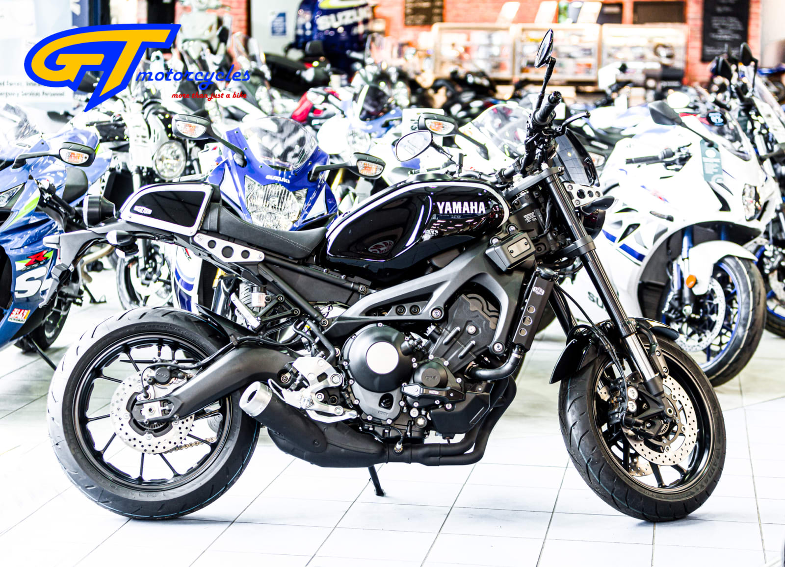 picture of a Yamaha XSR 900 Cafe Racer