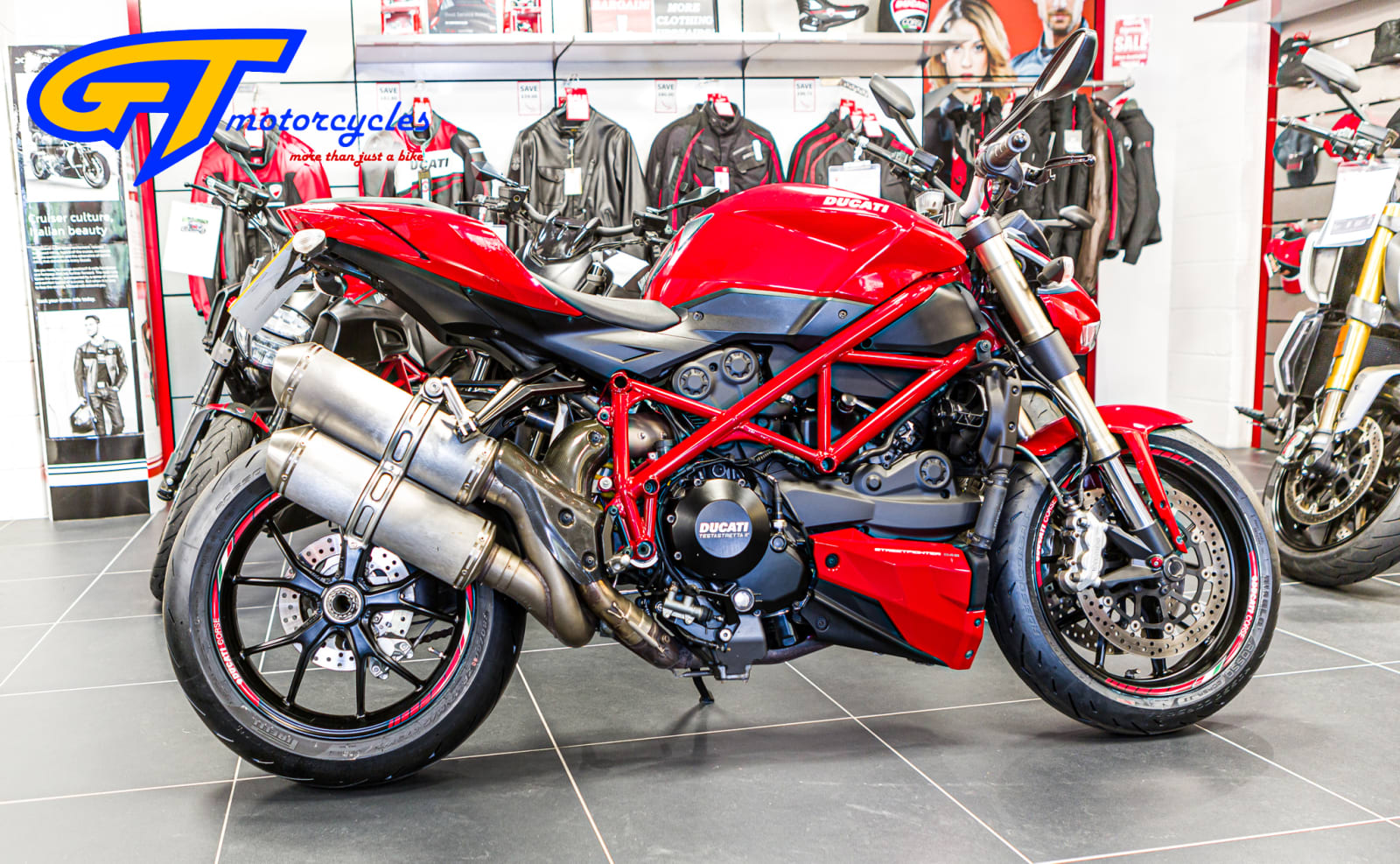 picture of a Ducati Streetfighter 848
