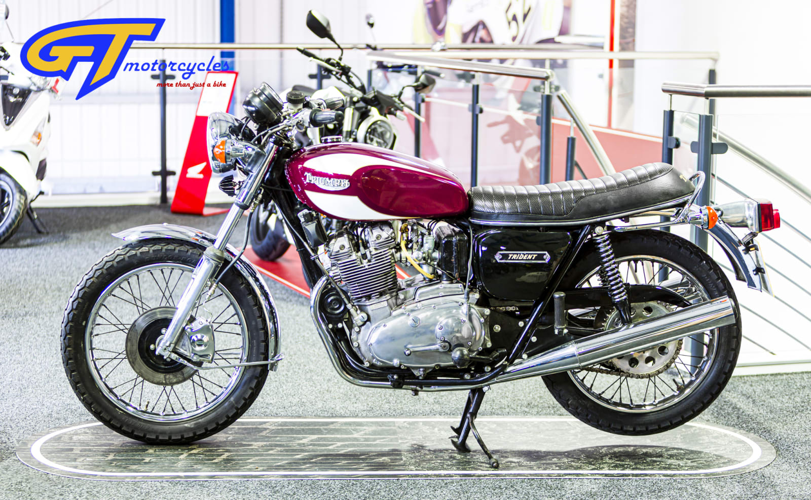 picture of a Triumph Trident and BSA Rocket 3