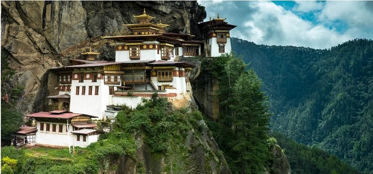 taktsang-monastery-tigers-nest-paro-valley-bhutan-nirvana-trip