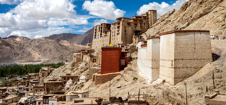 How-to-travel ladakh-in-budget