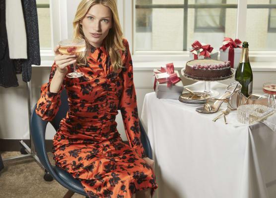Floral silk long-sleeve dress in red/black