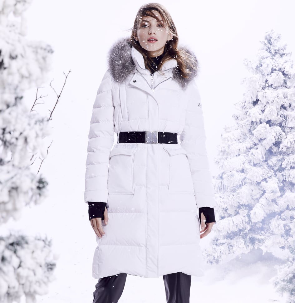 WHITE PUFFER COAT WITH HOOD AND BLACK BELT