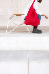 Modetaschen aus Möbelstoffresten - Štof by Prostoria