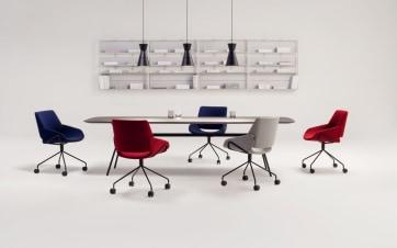 Ugodna MONK stolica za duge sate na poslu