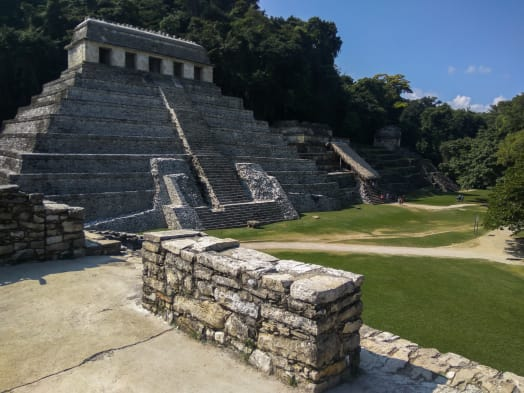 5 Reasons Why You Should Not Miss Palenque on a Trip in Mexico: Pyramids, Jungle, Magic Mushrooms, Waterfalls and a Great Vibe!