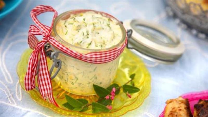Eggesalat med gressløk