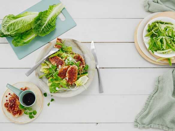 Salat med svin og hoisinsaus