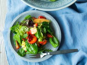 Jordbær-, melon og avokadosalat