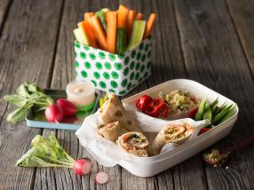 Lomper med røkelaks og bulgur salat