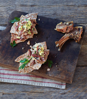 Potetmos med pinnekjøtt og flatbrød