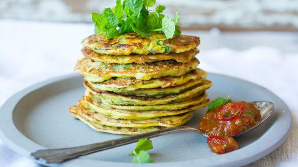 Squashpannekaker med tomat- og ingefærchutney