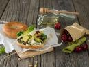 Bagel med chevre og avokado