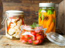 Syltede grønnsaker på glass