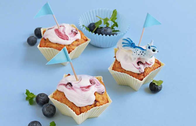 Muffins med søtpotet, kremost og blåbærtopping