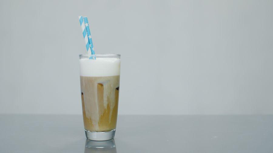 NESCAFÈ Frappé med kald skummet melk