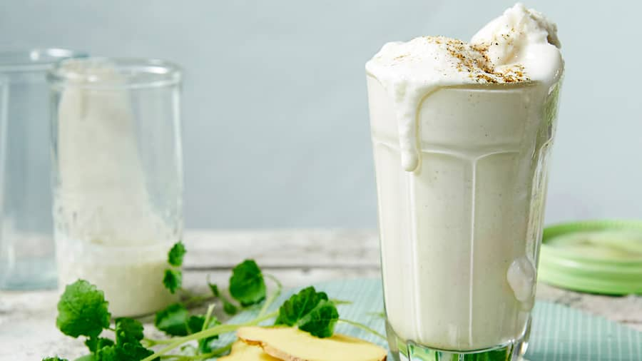 Krydret lassi med yoghurtsorbet