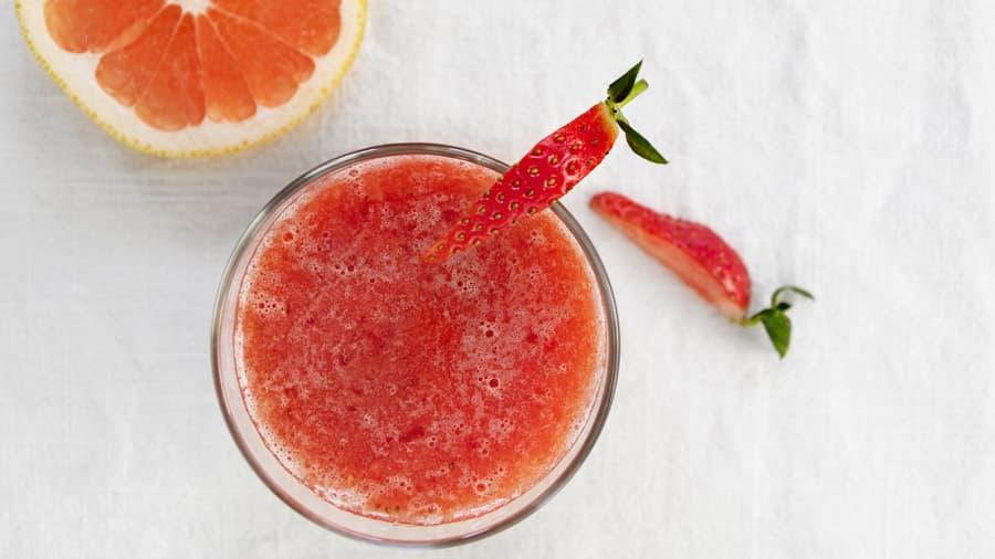 Grapefrukt, jordbær & ingefærsmoothie
