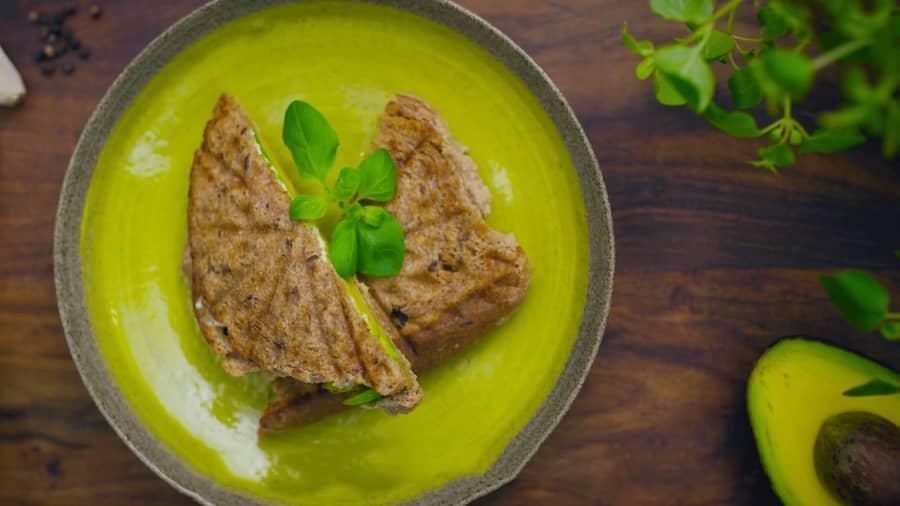 Avokado og chevre-toast