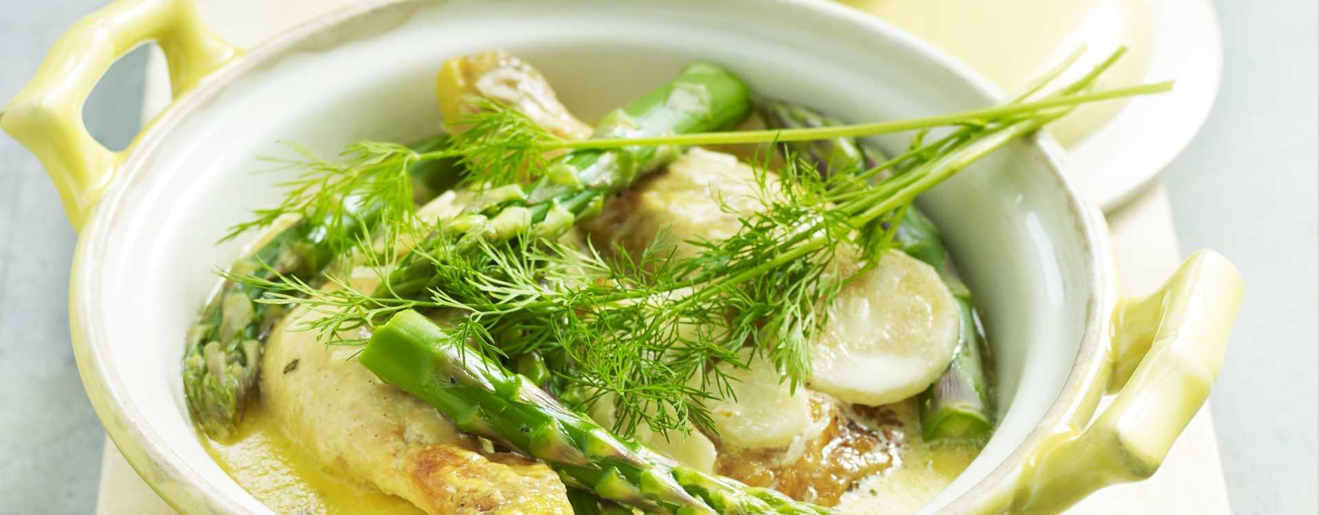 Gryte med kyllinglår, asparges og dill