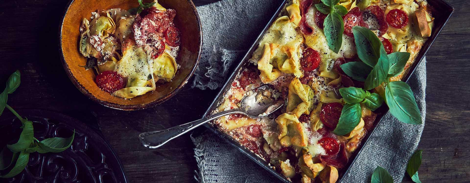 Ovnsbakt tortelloni med spekemat og mozzarella