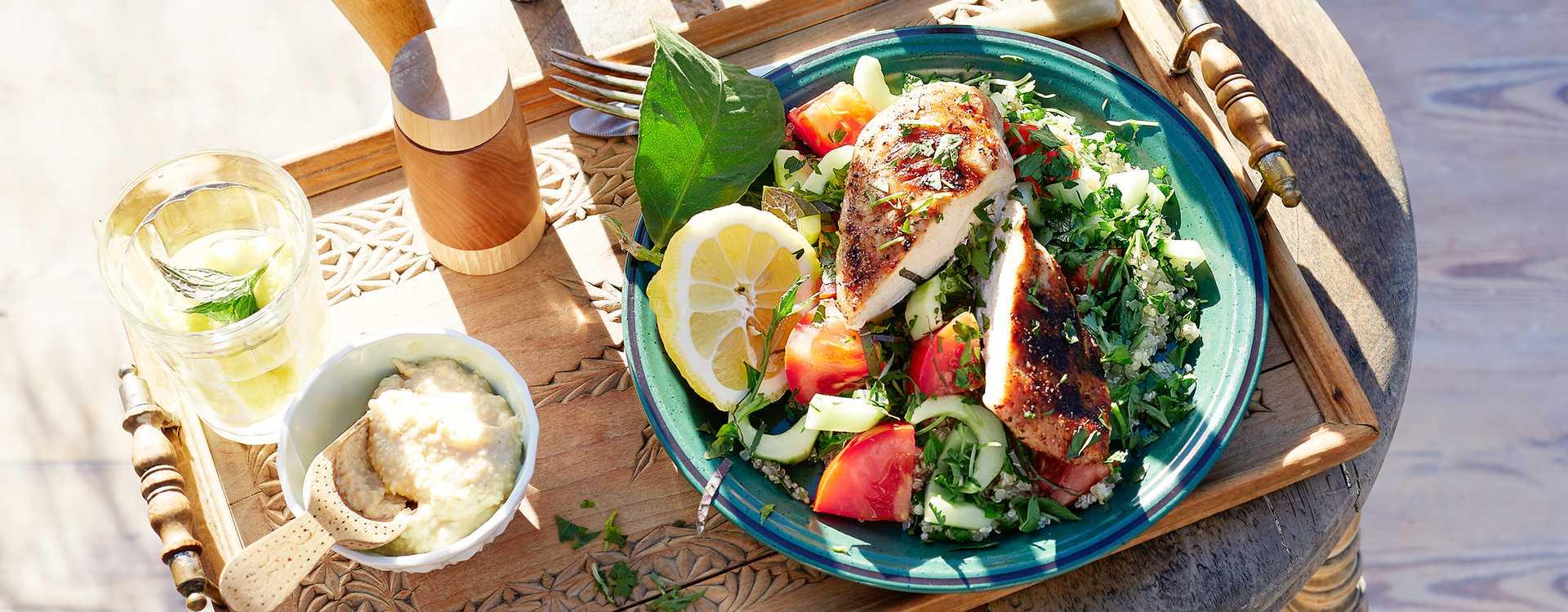 Grillet kyllingfilet med quinoa-tabbouleh